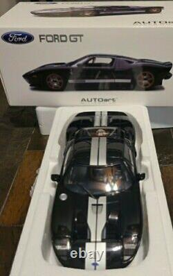 2004 FORD GT BLACK WITH SILVER STRIPES 73023 118 Scale AUTOart RARE NEW IN BOX