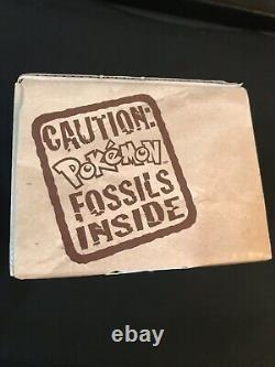 Boîte À Paquets De Fossiles! Wizards Of The Coast! Rempli De Cartes Et De Packs Scellés