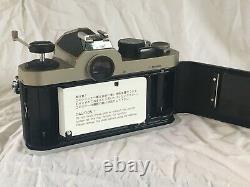 Boîte Non Utilisé Nikon Fm2 / T Année Du Chien. Ultra Rare L'un Des Seuls 300 Faits