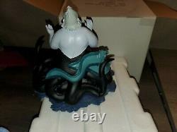 Disney Catalog Exclusive Ursula Sculpture Avec Mini Snowglobe Rare W Boîte