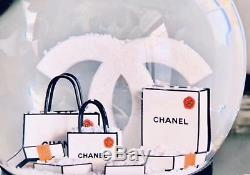 Nouveau + Boîte Chanel 2019 Rare Vip Authentique De Vacances Snow Globe CC Avec Le Sac De Collection