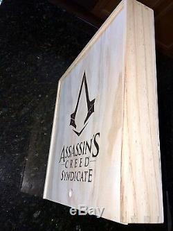 Rare! Assassins Creed Bois Box Union Jack Drapeau Britannique Rouge Coat Syndicat