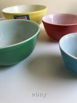 Rare Pyrex Non Utilisé Couleurs Primaires Nesting Mixing Vintage Bowls Ensemble De 4 Avec Boîte